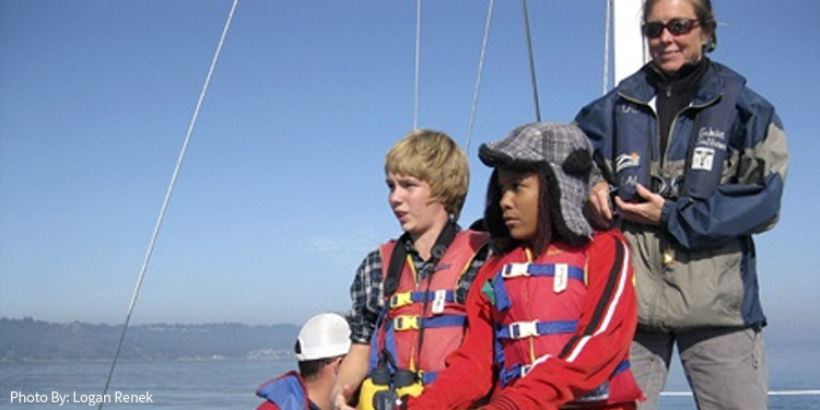 Renton middle schoolers sail with science expedition