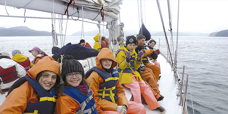 Expedition urges kids to learn about sea, science